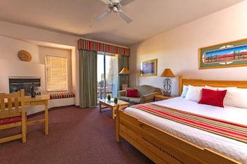 Deluxe Suite, 1 King Bed with Sofa bed