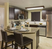 Luxury Condo, 2 Bedrooms (8 people)