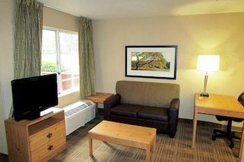 Guestroom at Extended Stay America - Orlando - Lake Buena Vista in Orlando