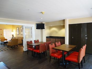 Restaurant at Extended Stay America -Orlando-Lake Mary-1040 Greenwood Blvd in Lake Mary
