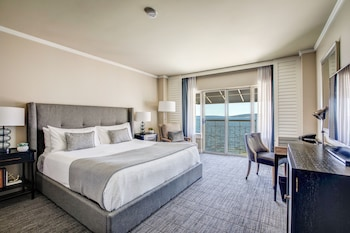 Room, Multiple Beds (Lakefront)