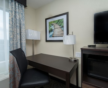 Standard Room, 2 Double Beds, Non Smoking, Refrigerator