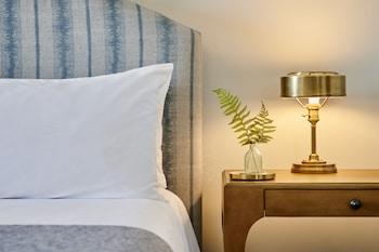 Magnolia King Guest Room