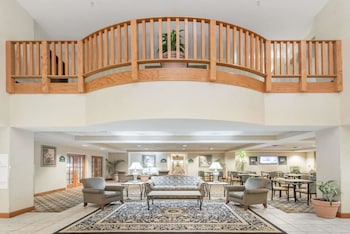 Lobby at Wingate by Wyndham DFW / North Irving in Irving