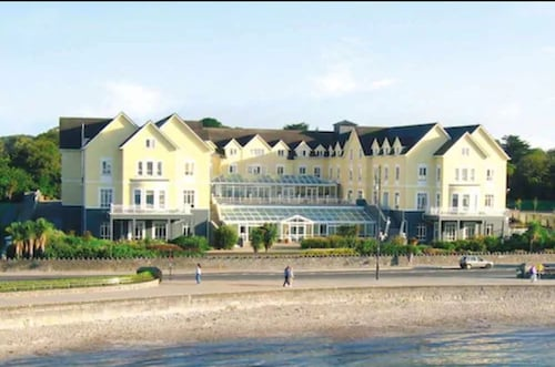__{offers.Best_flights}__ Galway Bay Hotel