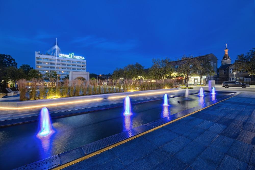 https://i.travelapi.com/hotels/1000000/110000/107600/107546/e411226f_z.jpg