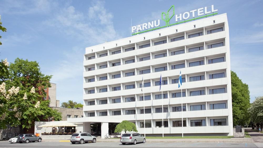 https://i.travelapi.com/hotels/1000000/110000/107600/107546/e4cf5508_z.jpg
