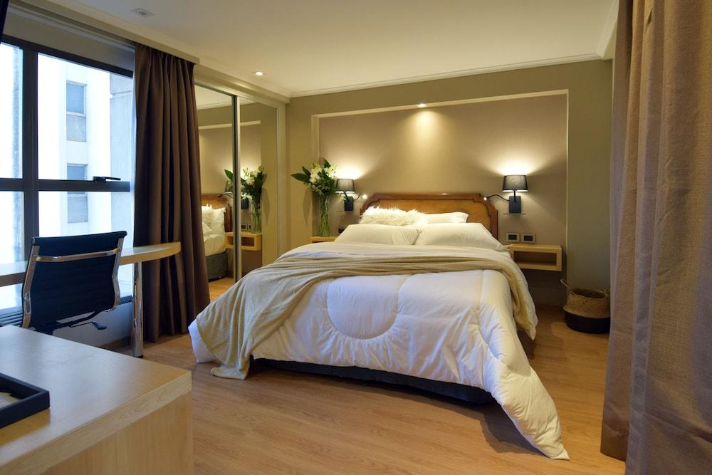 https://i.travelapi.com/hotels/1000000/110000/109200/109168/4c3f3f23_z.jpg