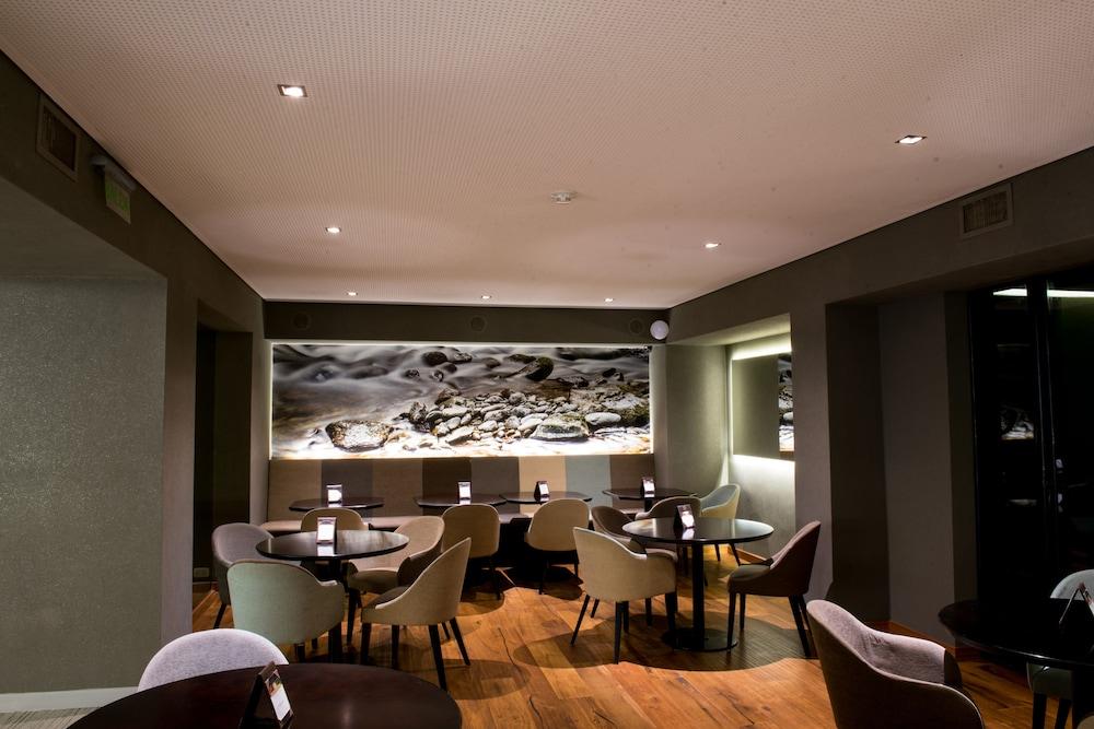 https://i.travelapi.com/hotels/1000000/110000/109200/109168/67ee4e43_z.jpg
