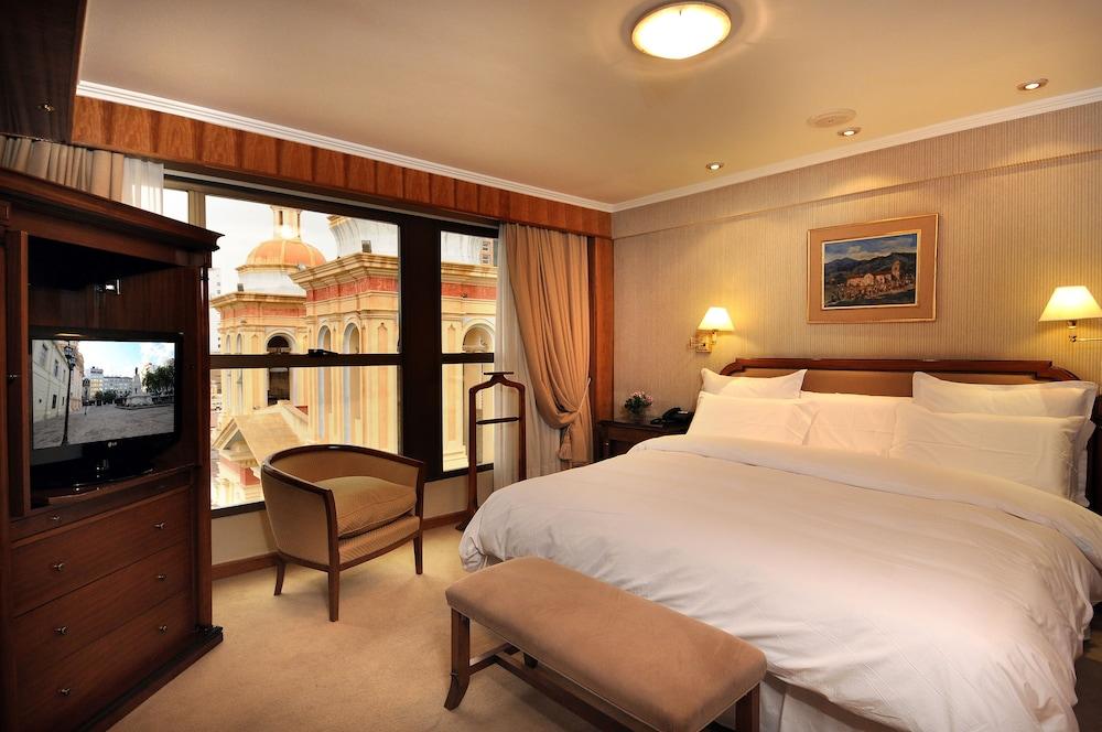 https://i.travelapi.com/hotels/1000000/110000/109200/109168/84d52377_z.jpg