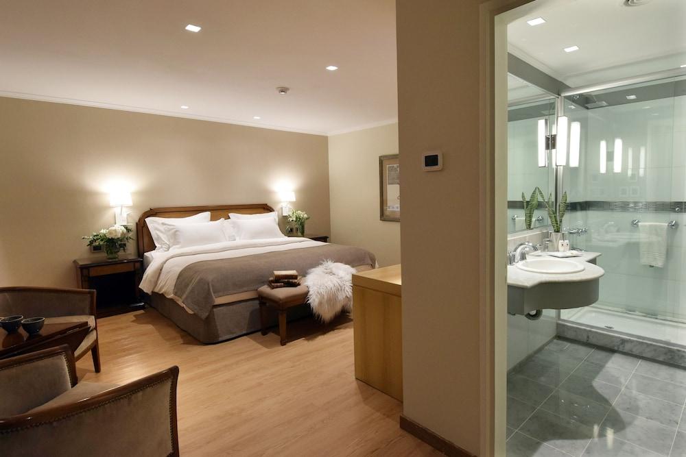 https://i.travelapi.com/hotels/1000000/110000/109200/109168/f5e05200_z.jpg