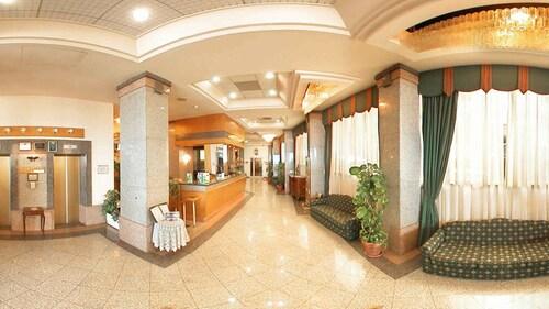 Diplomat Hotel,