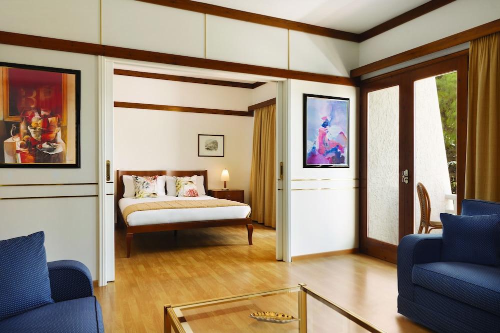 https://i.travelapi.com/hotels/1000000/110000/109800/109771/61184ae1_z.jpg