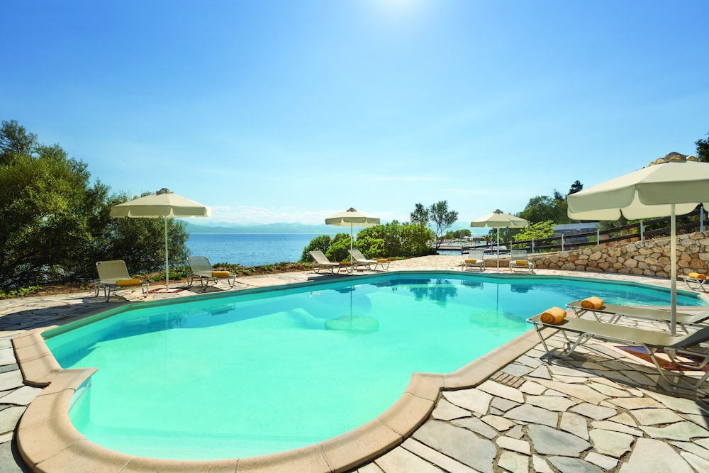 https://i.travelapi.com/hotels/1000000/110000/109800/109771/6b0dd085_z.jpg