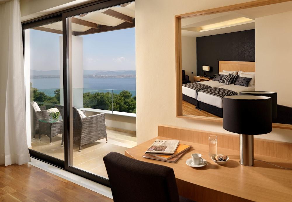 https://i.travelapi.com/hotels/1000000/110000/109800/109771/7f870141_z.jpg