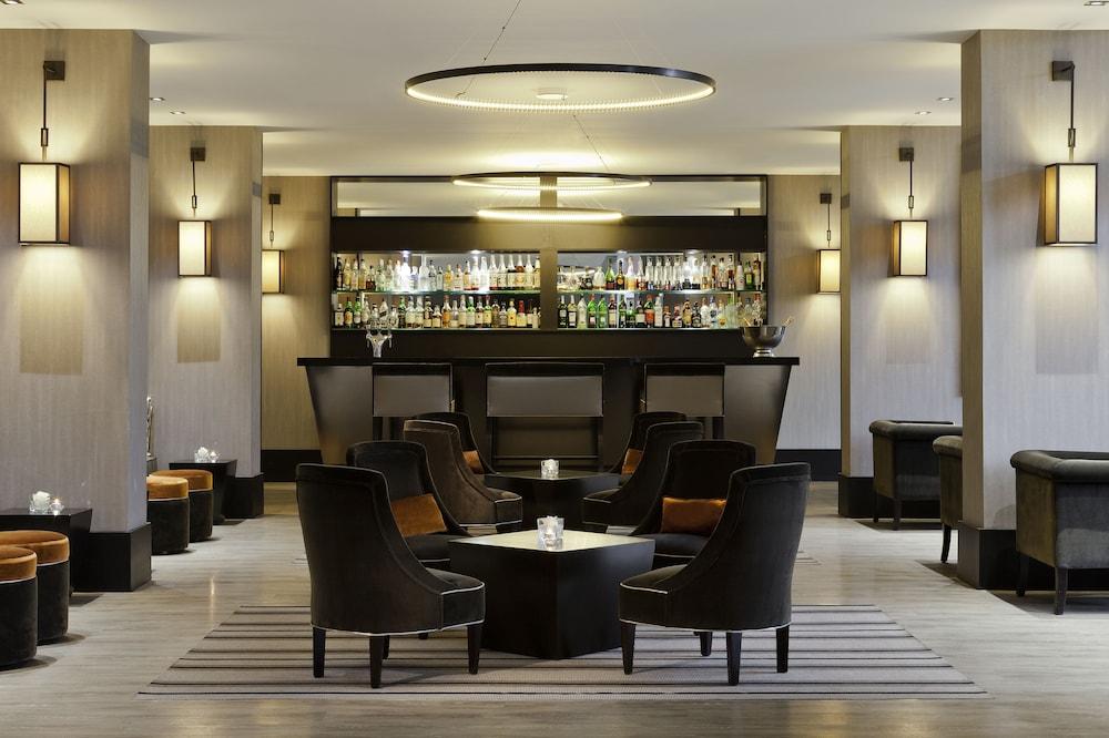 오텔 바리에르 로텔 듀라키(Hôtel Barrière l'Hôtel du Lac) Hotel Image 47 - Hotel Lounge
