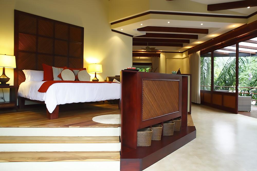 https://i.travelapi.com/hotels/1000000/120000/113500/113407/493c892a_z.jpg