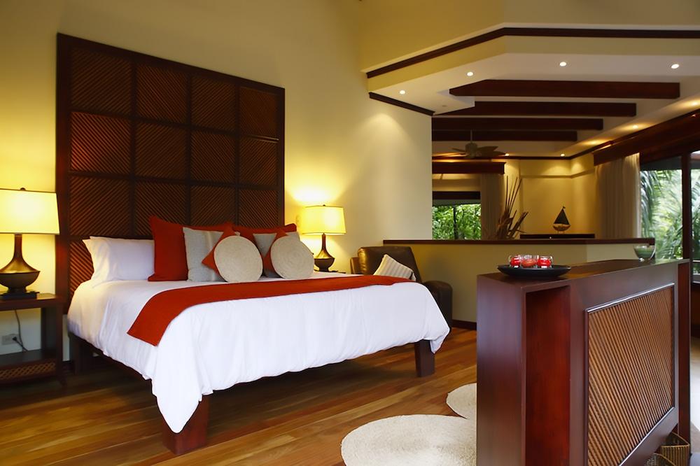 https://i.travelapi.com/hotels/1000000/120000/113500/113407/8a7bd9ca_z.jpg