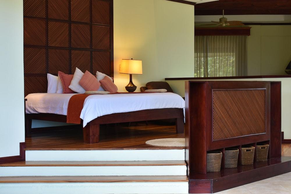 https://i.travelapi.com/hotels/1000000/120000/113500/113407/f0800e67_z.jpg