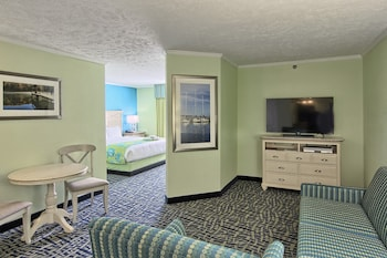 Junior Suite, 1 King Bed with Sofa bed, No View