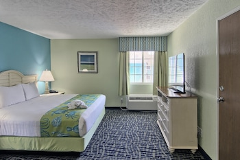 Room, 1 King Bed (Non-beach view)