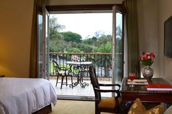 Terrace Suite Golf View
