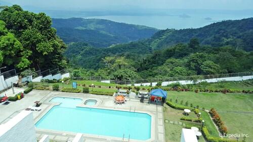 . Days Hotel Tagaytay