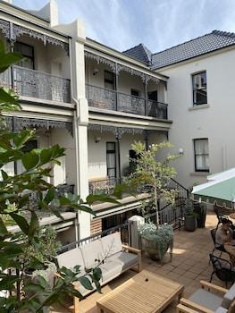 Courtyard Room