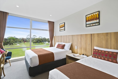 . Parkside Motel Geelong
