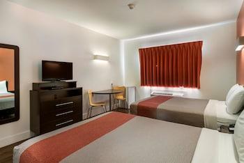 Hotel - Motel 6 Moncton, NB