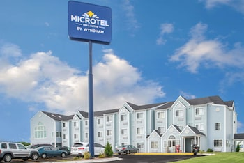 Microtel Inn & Suites by Wyndham Lincoln photo