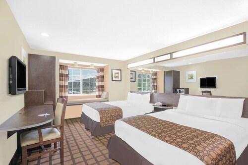 . Microtel Inn by Wyndham Franklin