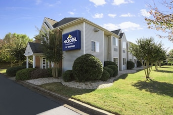 Microtel Inn by Wyndham Duncan/Spartanburg photo
