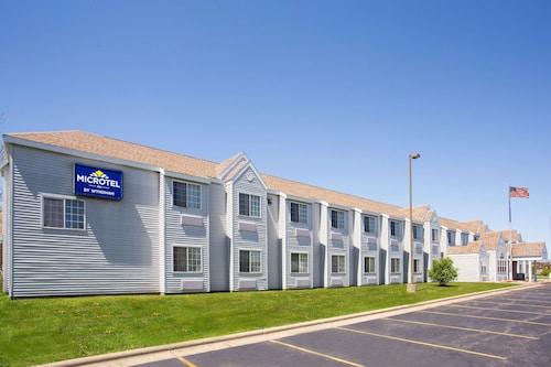 . Microtel Inn by Wyndham Janesville