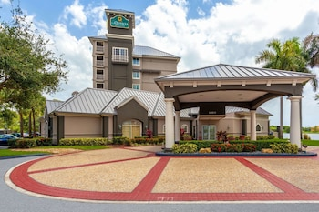 La Quinta Inn & Suites by Wyndham Ft. Lauderdale Airport