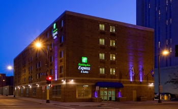 Holiday Inn Express Hotel & Suites Downtown Minneapolis photo