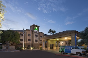 Holiday Inn Express Hotel & Suites Phoenix Downtown-Ballpark
