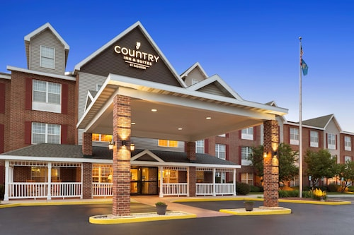 . Country Inn & Suites by Radisson, Kenosha, WI