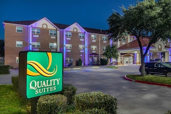 Hotel - Quality Suites Addison-Dallas