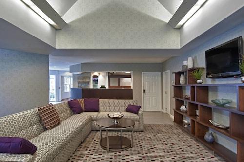 . Residence Inn by Marriott Foxborough