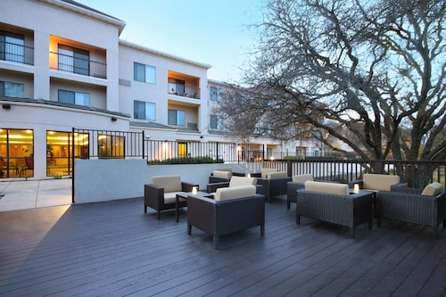 . Courtyard by Marriott Roseville