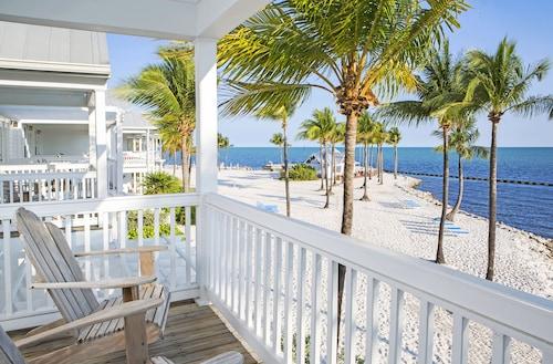 . Tranquility Bay Beachfront Hotel and Resort