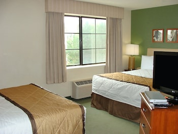 Guestroom at Extended Stay America Philadelphia-Airport- Bartram Ave. in Philadelphia