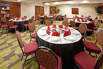 Hotel - Holiday Inn Express Hotel & Suites Dallas Park Central NE