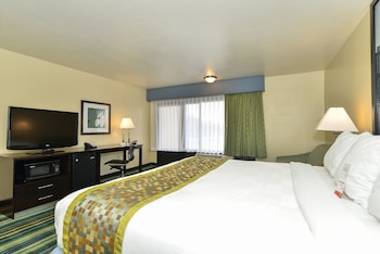 Room, 1 King Bed, Accessible, Non Smoking (Mobility/Hearing)