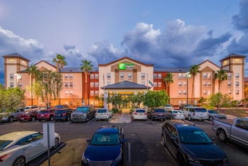 Featured Image at Holiday Inn Express Hotel & Suites Phoenix-Airport in Phoenix
