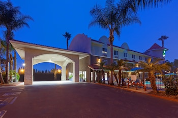 聖地牙哥 - 埃斯孔迪多智選假日飯店 Holiday Inn Express Hotel & Suites San Diego-Escondido, an IHG Hotel