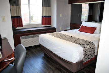 Room, 1 Queen Bed, Non Smoking (Mobility Accessible)