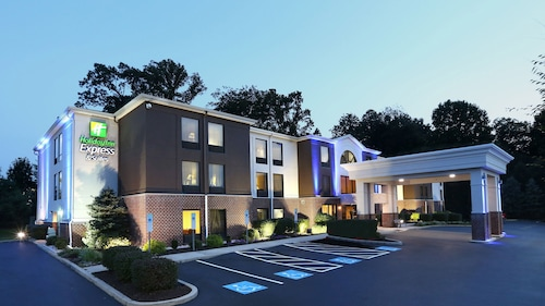 Holiday Inn Express Hotel & Suites West Chester, Chester
