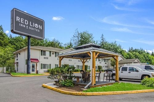 . Red Lion Inn & Suites Port Orchard